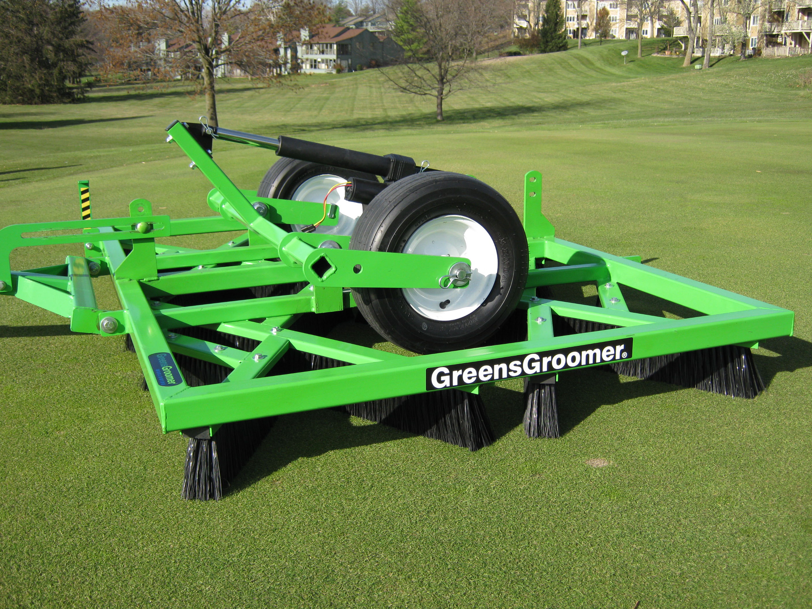 Natural Turf Greens Groomer